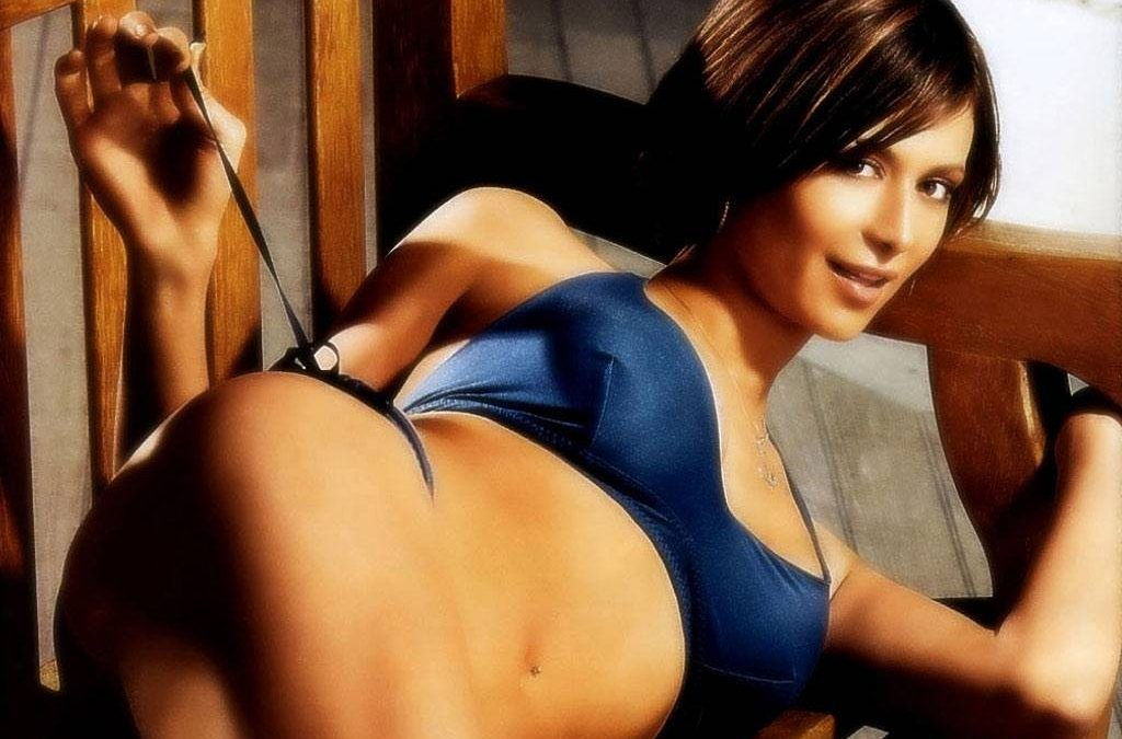 Catherine Bell 07